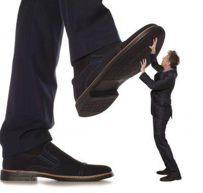 Mobbing am Arbeitsplatz: Was tun, wenn Kollegen oder Vorgesetzte mobben?