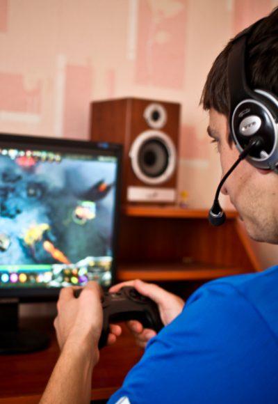 Programmer Game Jobs: Stellenangebote, Gehalt, Ausbildung & Studium
