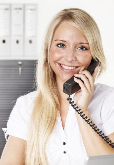 Weiterbildung Bürokauffrau: Gehalt, Fernstudium, Studium & Perspektive