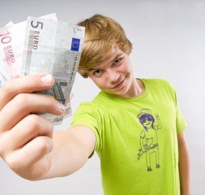 Geld verdienen in den Ferien: So geht's!