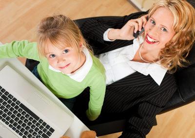 Ältere Mutter: gesünderes, gebildeteres und fitteres Kind