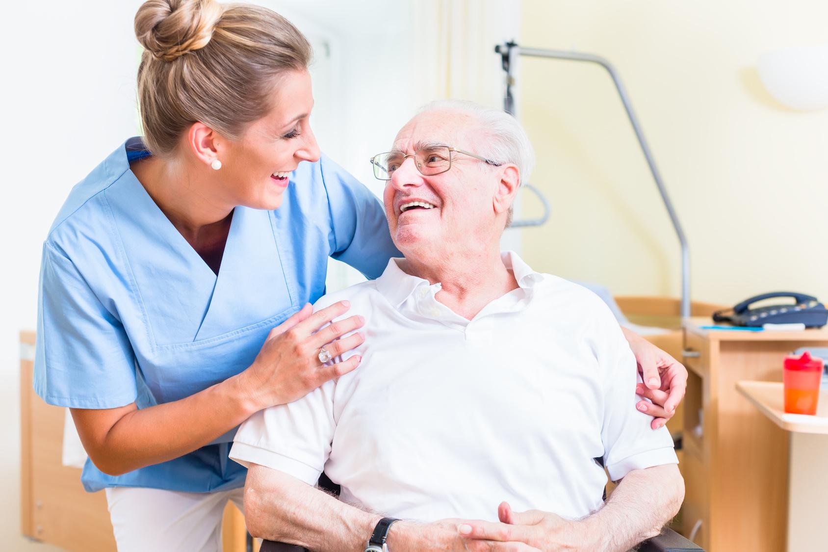 was verdienen krankenpflegehelfer
