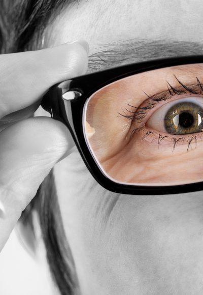 Verfahrensmechaniker für Brillenoptik: Ausbildung ● Gehalt ● Studium ● Perspektive