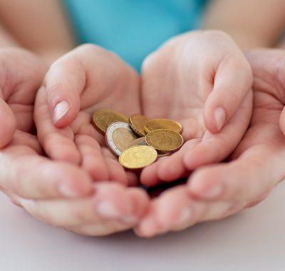 Diese Rechnung zeigt, wie viel Geld man als Kind seinen Eltern abgeben muss