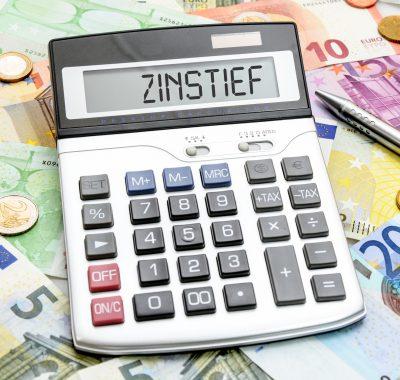 Niedrigzinspolitik der EZB spart Deutschland 122 Milliarden Euro und peilt Schwarze Null an