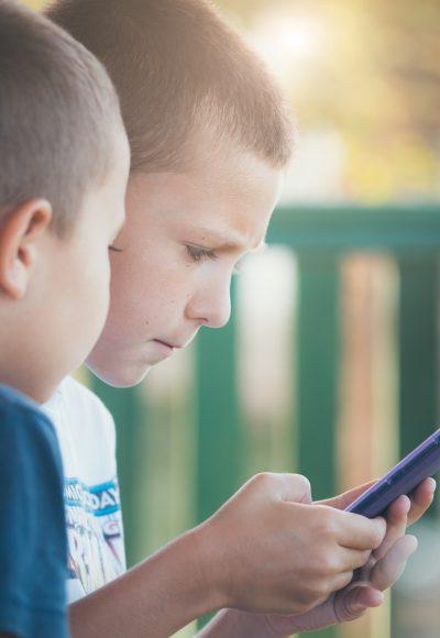 Kinder und soziale Medien: Wie Eltern es richtig machen