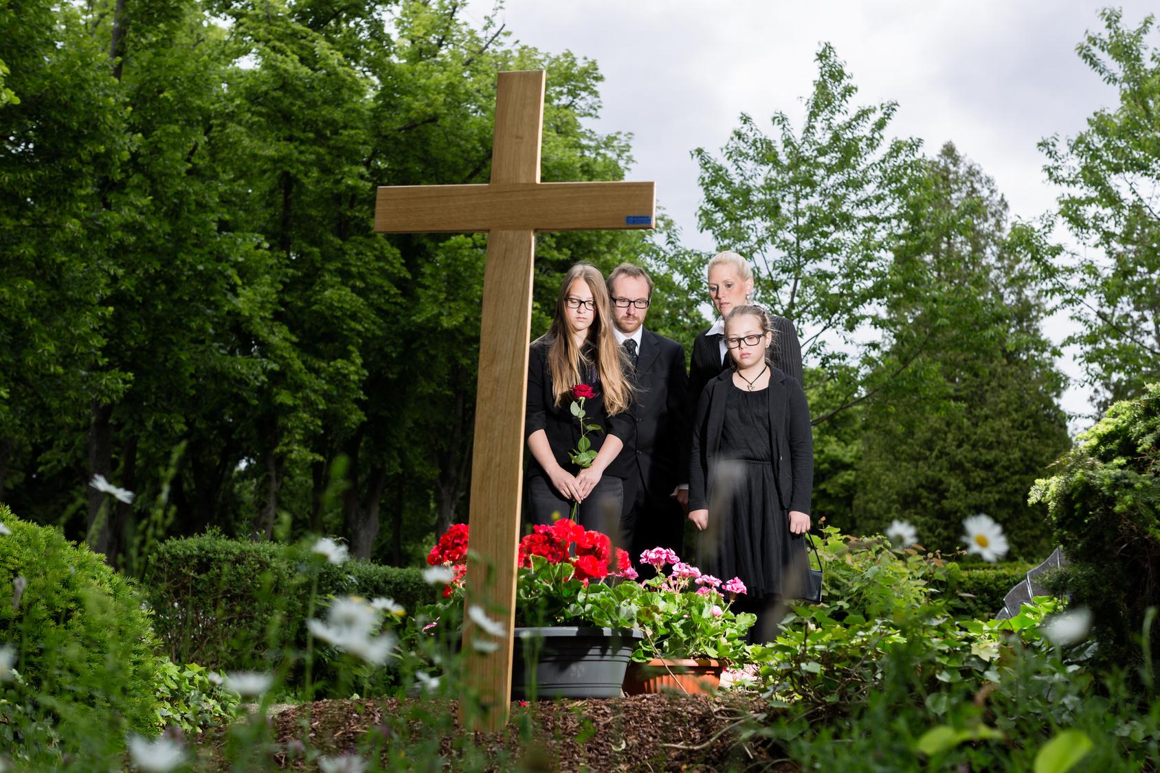 Wer Zahlt Beerdigung Des Vaters