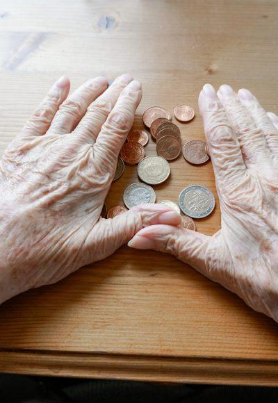 Altersarmut: Private Vorsorge zu teuer!