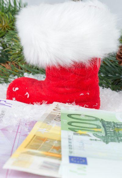 Geldsegen zum Fest: kein Weihnachtsgeld vom Arbeitgeber? Das können Sie jetzt tun