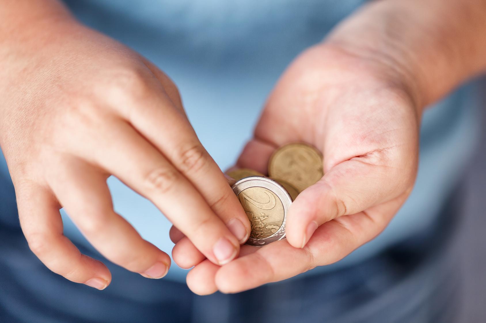 Kein Hartz Iv Segen Mit Ein Euro Sch 252 Lerzusatzversicherung Heimarbeit De