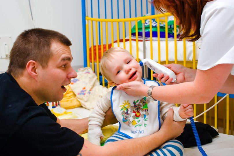 Kranken Kindern steht eine Elternhilfe zu: So geht's!