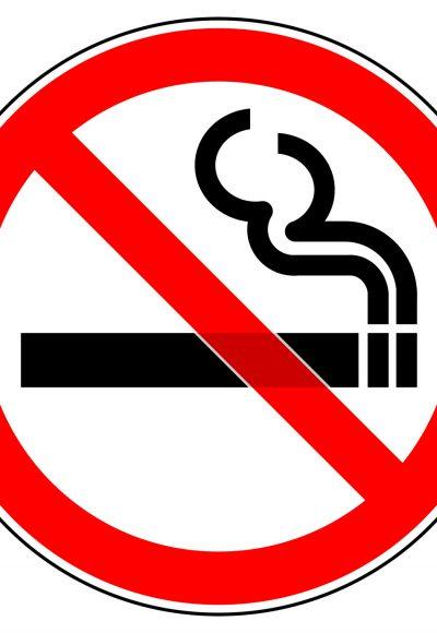Rauchverbot auf Balkon: Was dürfen Mieter & was nicht?