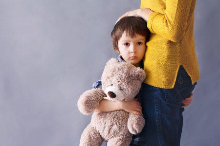 Wie spreche ich mit meinem Kind richtig über Terroranschläge?