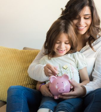Mehr Geld für Eltern möglich: Gericht klärt Höhe der Kinderfreibeträge!