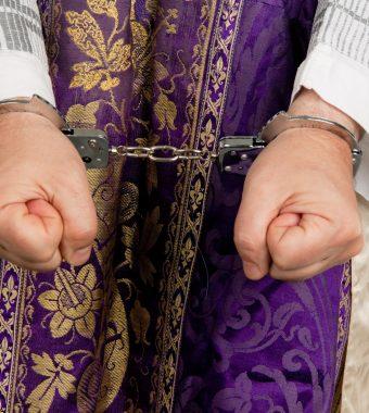 24 Opfer: Nonne unterstützt Missbrauch durch Priester?