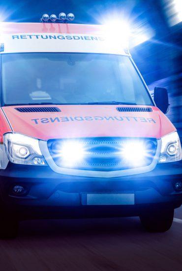 Rettung missglückt: Junge stirbt bei Wurf aus dem Fenster