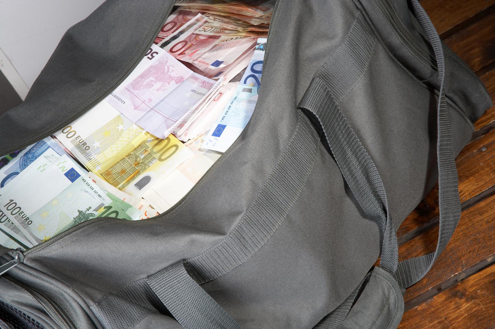 71-Jähriger überfiel Bank, um seiner Frau zu entkommen