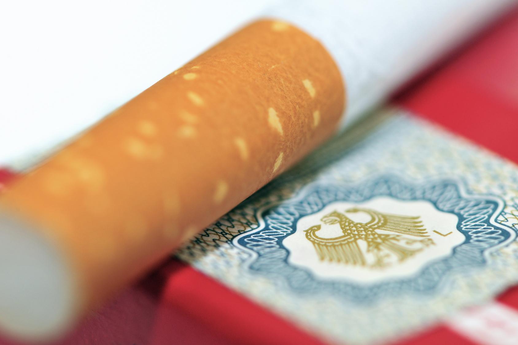 Schockfotos auf Zigarettenschachteln Die Bilanz nach einem Jahr!