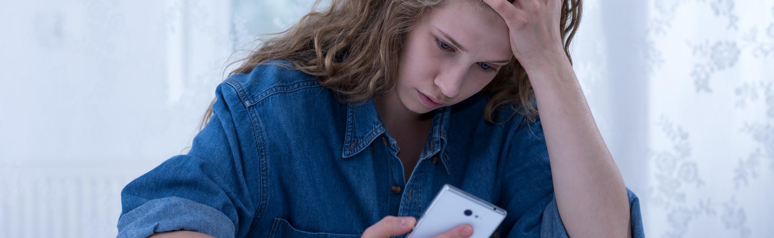 Das Entsetzen war groß: Frau bekommt SMS von toter Großmutter