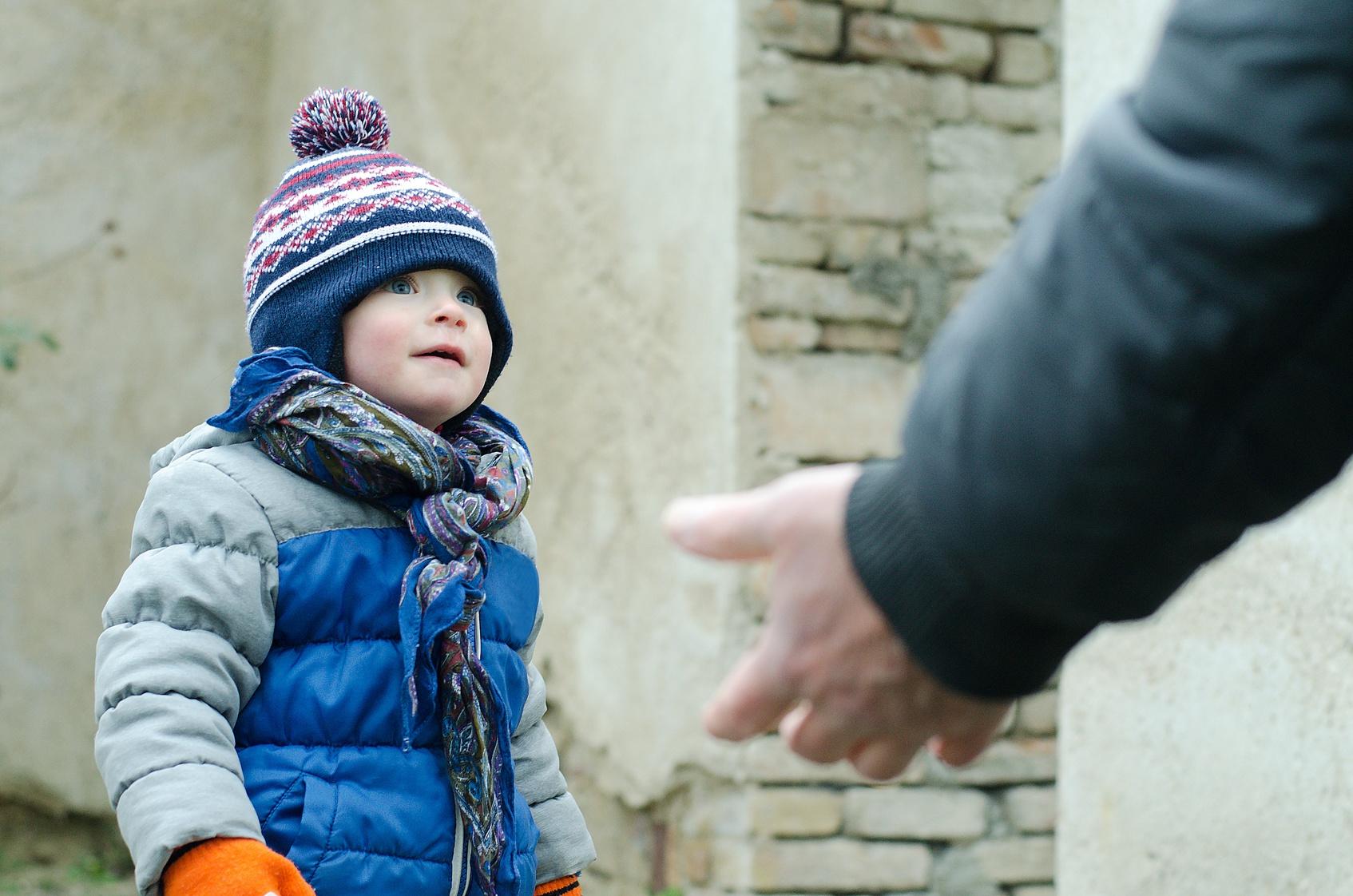 Mann rettet Kind vor Kidnapper - und wird deswegen gefeuert!