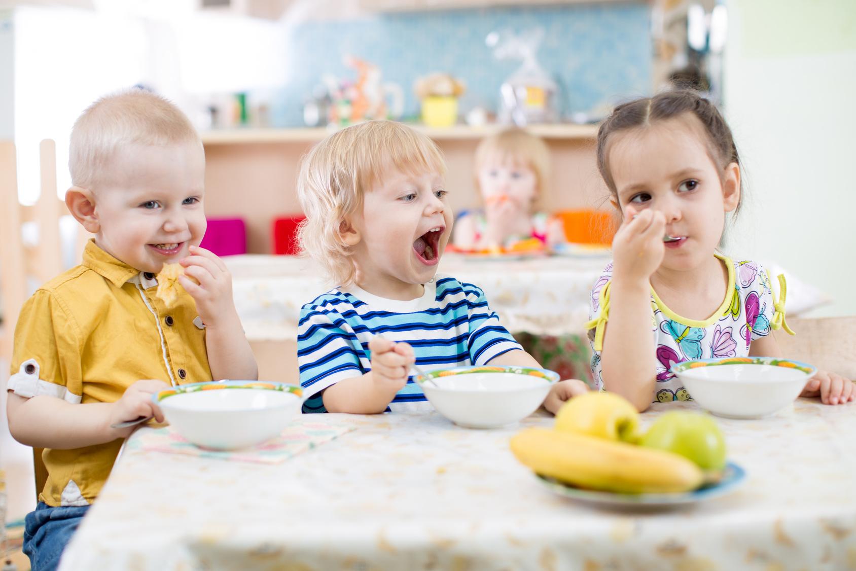 NRW: Kinder dürfen kein eigenes Essen mehr in die Kita mitbringen