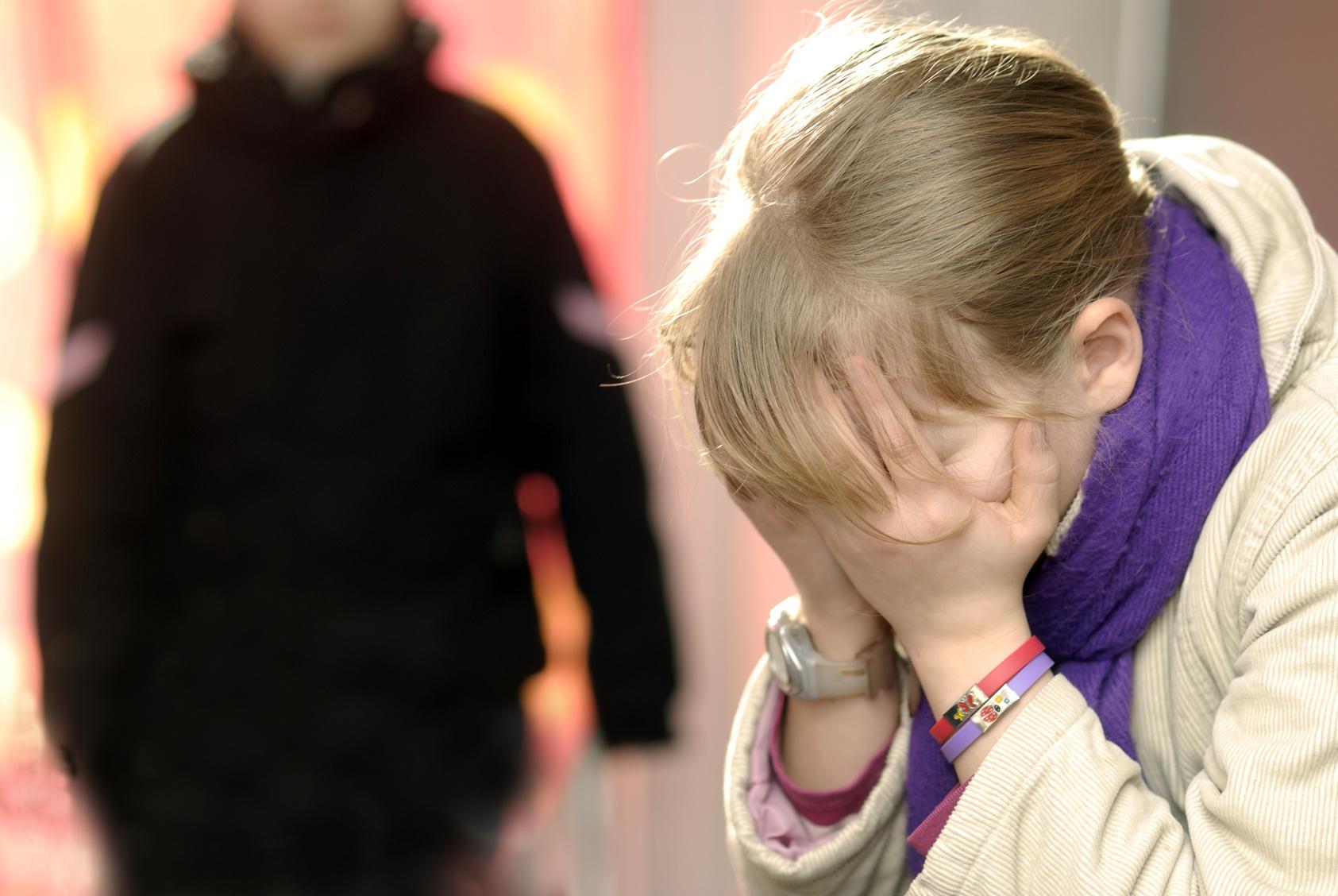 Polizei bittet dringend um Hinweise: Mädchen von Sextäter verfolgt und missbraucht