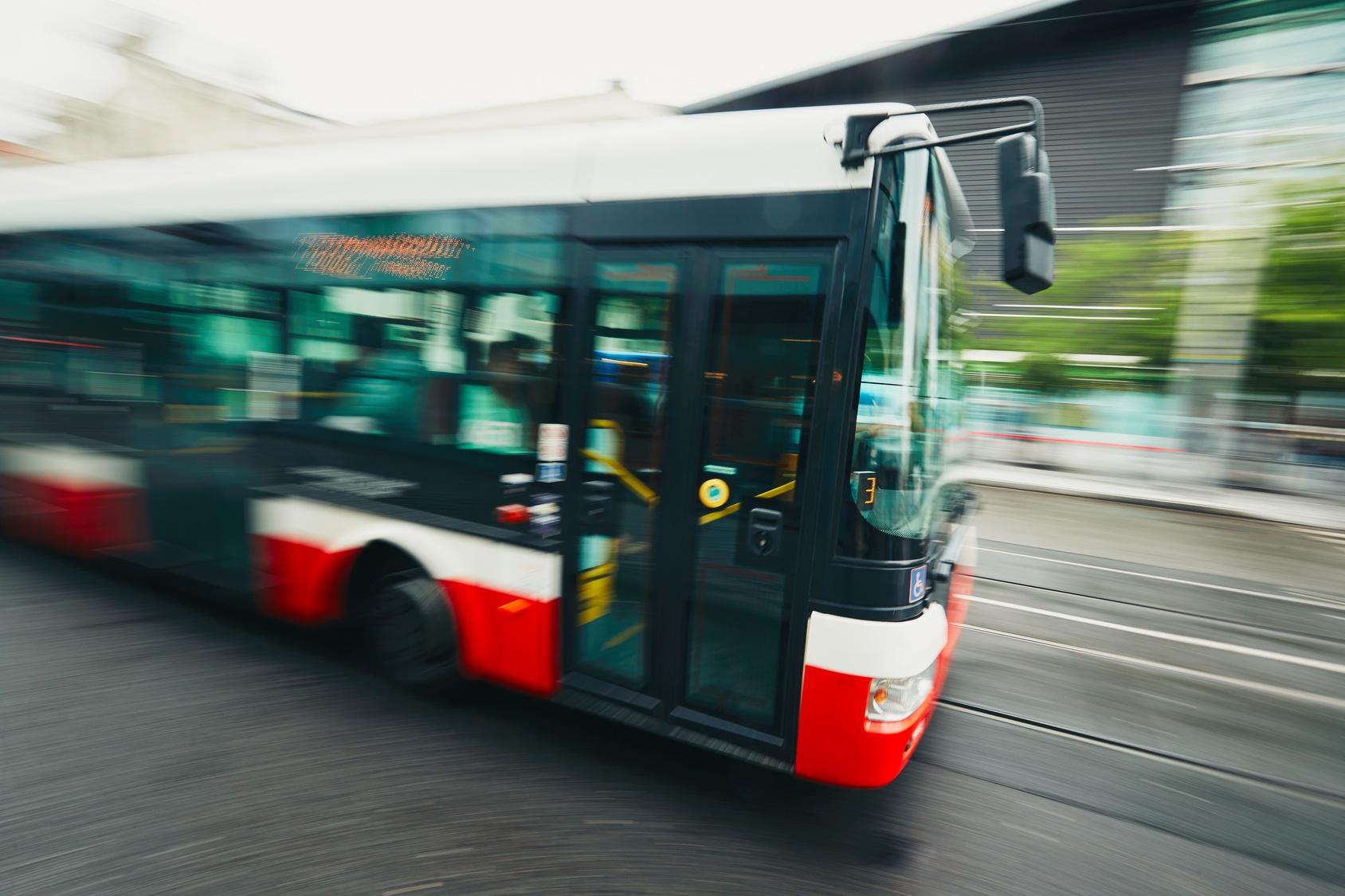 Schulbusfahrer betrunken hinterm Steuer