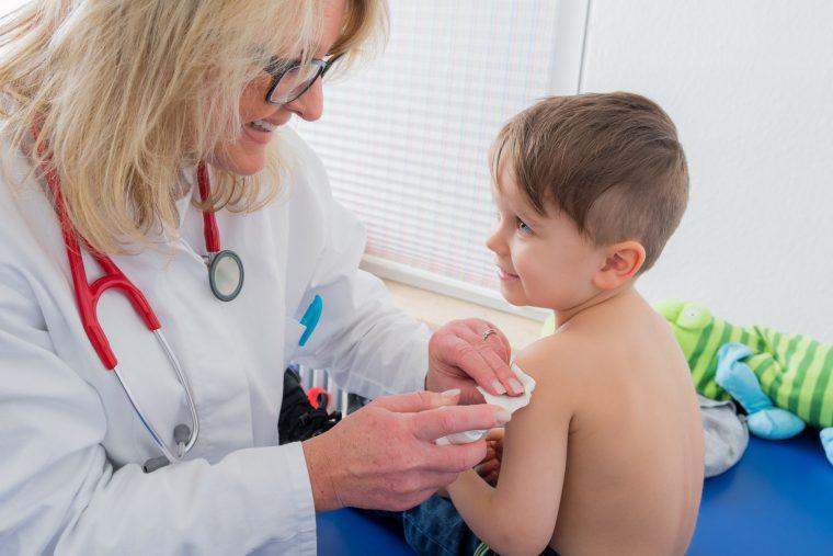Masern: Kindergeld-Entzug für Impfverweigerer?