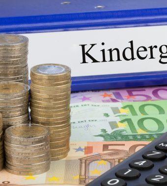 Kindergeldfortzahlung nach der Schule: Das müssen Sie tun!