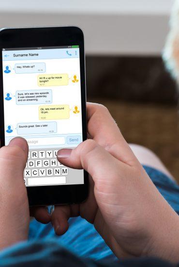 """Gefahren im Internet: Sollte man sein Kind vor """"Sexting"""" schützen?"""