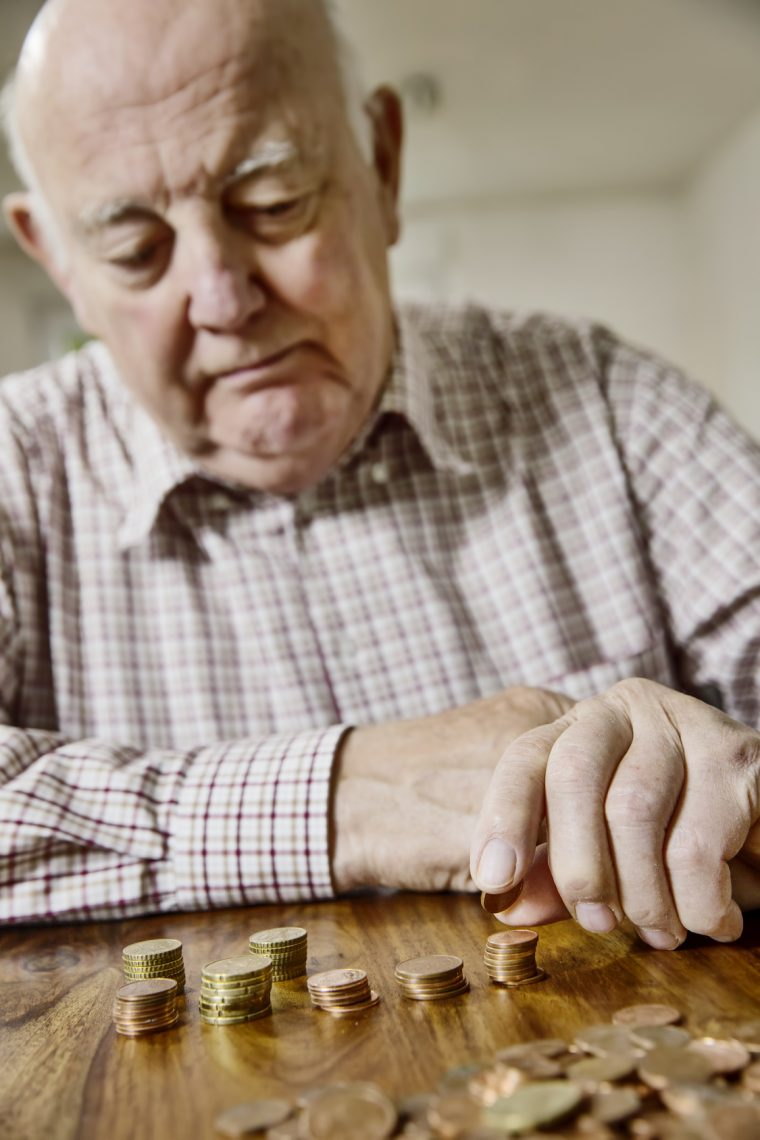Zahlen alarmierend: Altersarmut steigt drastisch an!