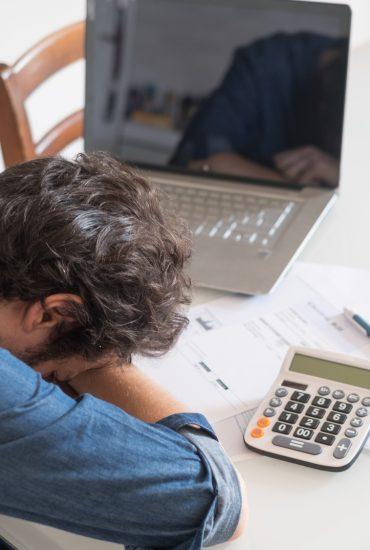 Alarmierende Zahlen: Mittelschicht von Banken und Kreditinstituten ausgesaugt!