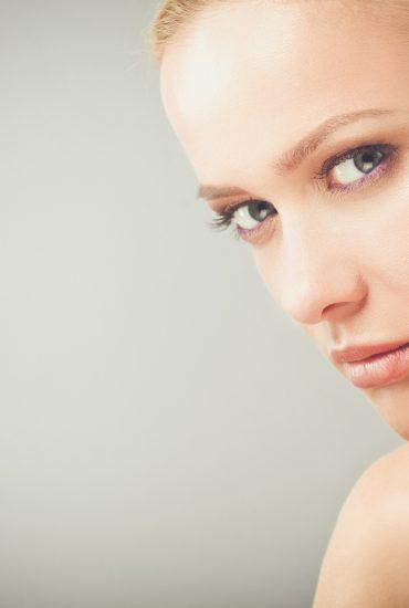 Achtung: Drogerie-Färbemittel kann Gesicht verätzen!