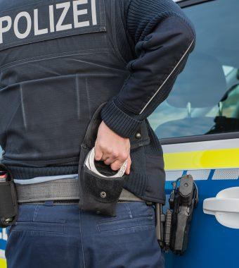 Blutige Auseinandersetzung in Cottbus: Jugendliche Flüchtlinge (15,16) attackieren Mitschüler (16) mit Messer!