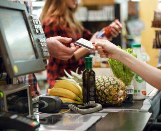 Arbeitslosengeld aus dem Supermarkt: Hier geht es jetzt damit los!