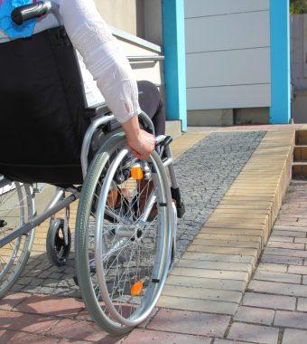 Unfall während Schulprojekts außerhalb der Schule: Schülerunfallversicherung greift dennoch!