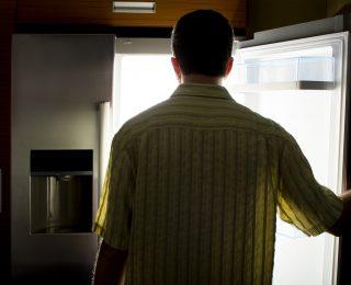 Hartz-IV: Leerer Kühlschrank sorgt für Sanktionen bei Krankem!