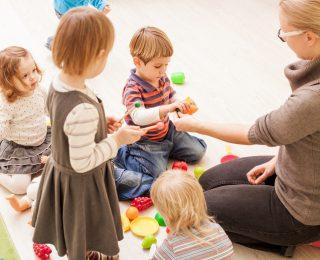Mangelnde KiTa-Plätze: So viele Kinder sind in Deutschland ohne Betreuung!