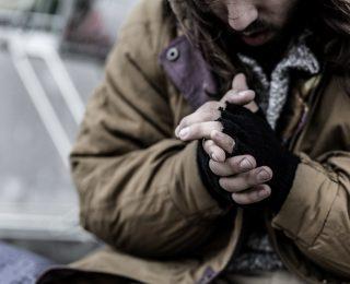 Mehrfach Räumungsbescheide missachtet: Obdachlose sollen blechen!