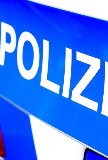 Berlin: Betrunkene schlagen Jungen (14) und ziehen sich vor ihm aus!
