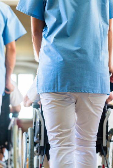 Hartz-IV: Sollen Empfänger künftig Pfleger werden (müssen)?