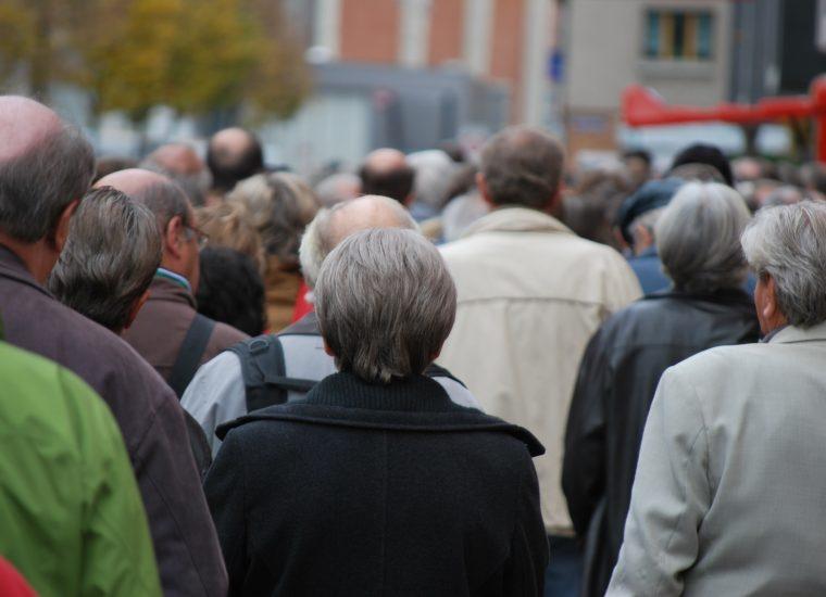 Hartz-IV: So viele Menschen sind und waren auf Arbeitslosengeld II angewiesen!
