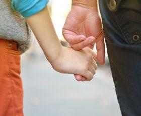 Hartz-IV: Bereits jede siebte Kind in Deutschland lebt von Sozialleistungen!