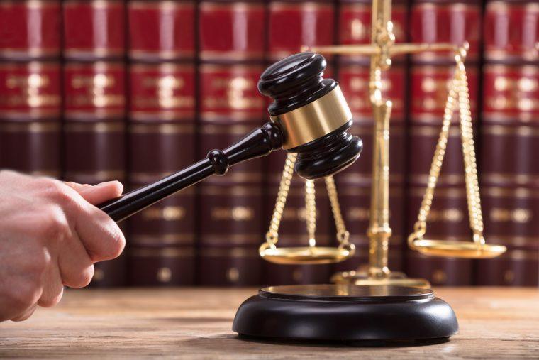 Landessozialgericht: Fahrtkosten zur Nachhilfe werden vom Jobcenter nicht komplett übernommen!